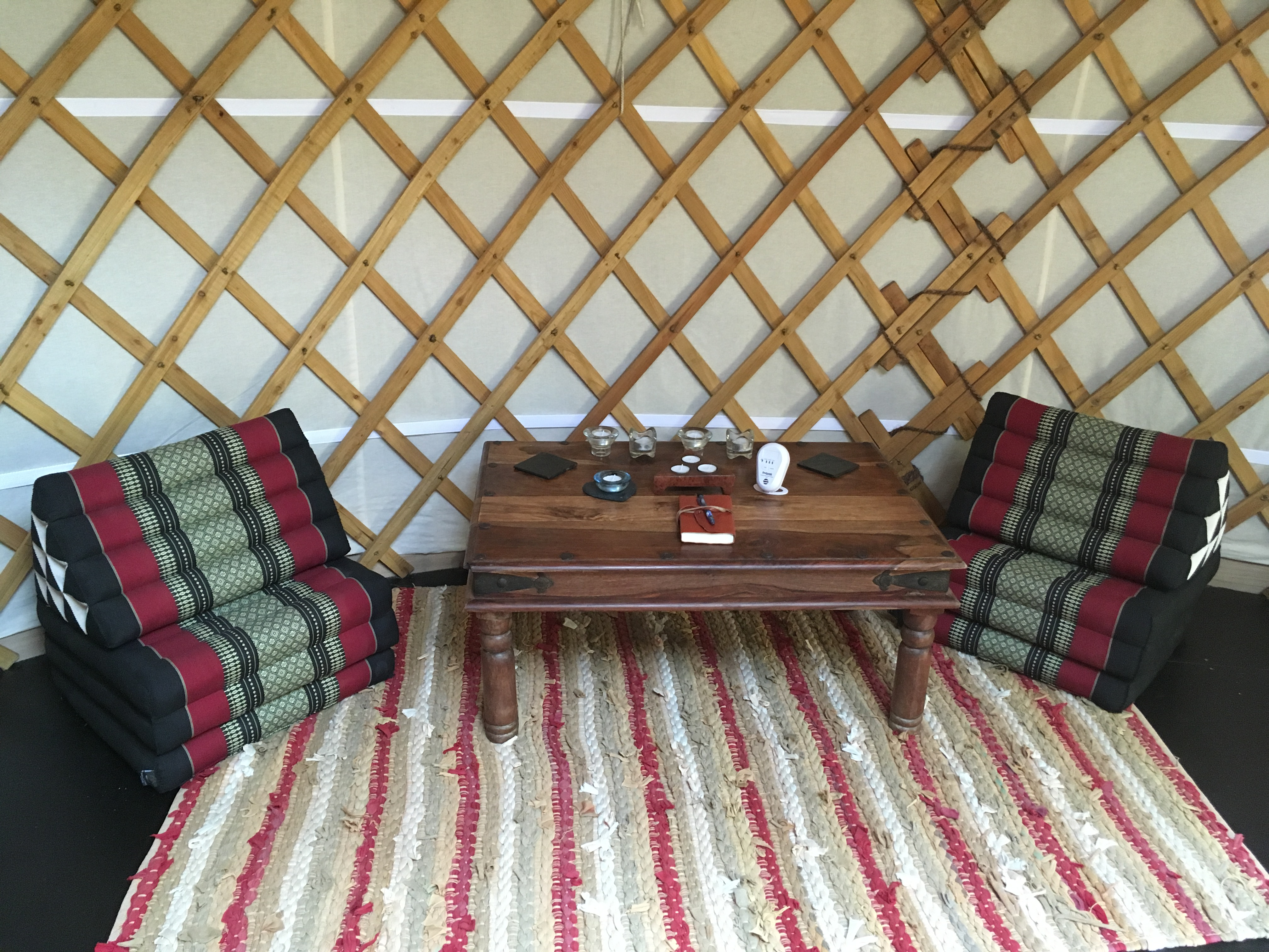 Ash valley yurt interior (1)
