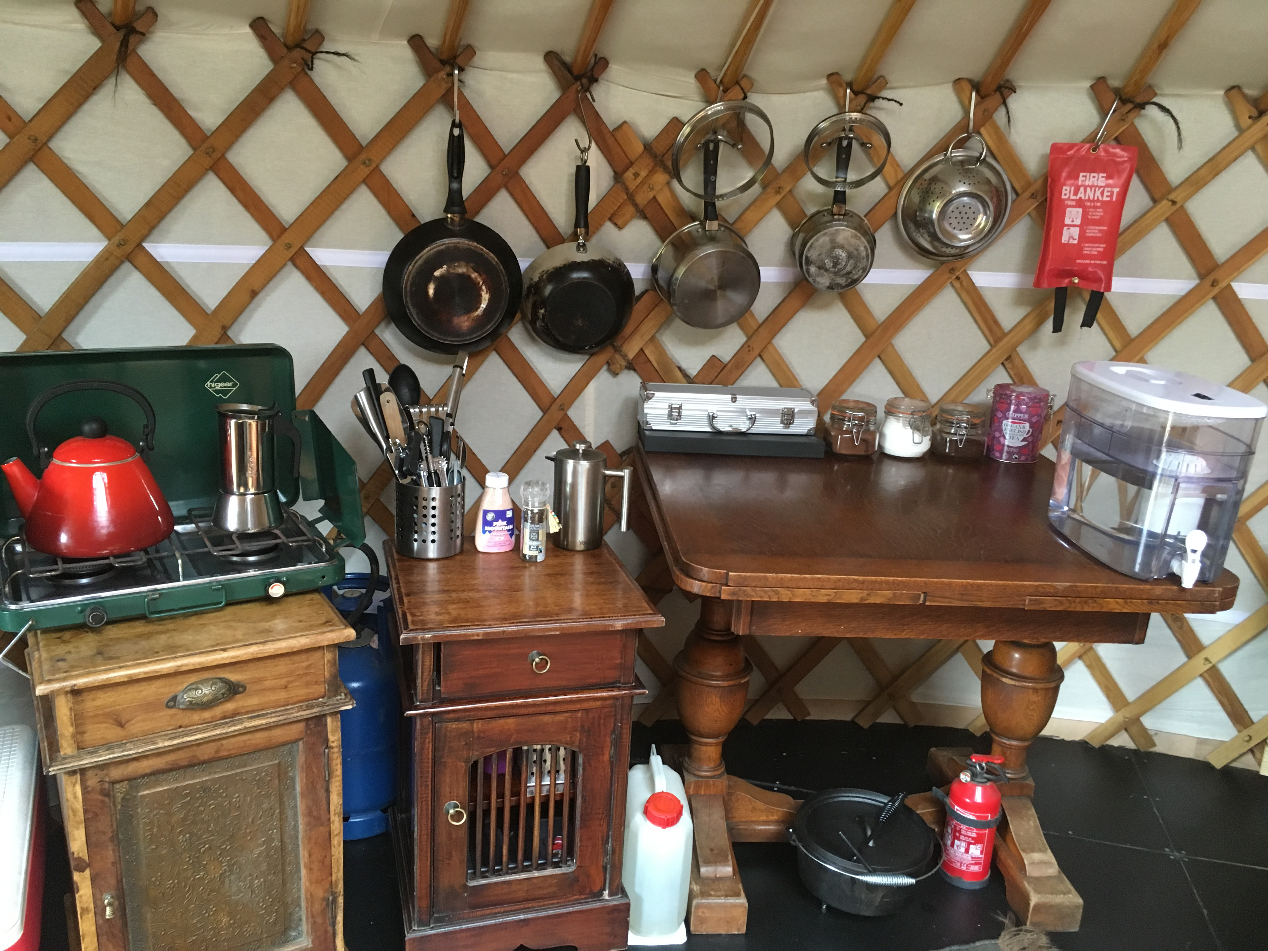 Ash valley yurt interior (2)