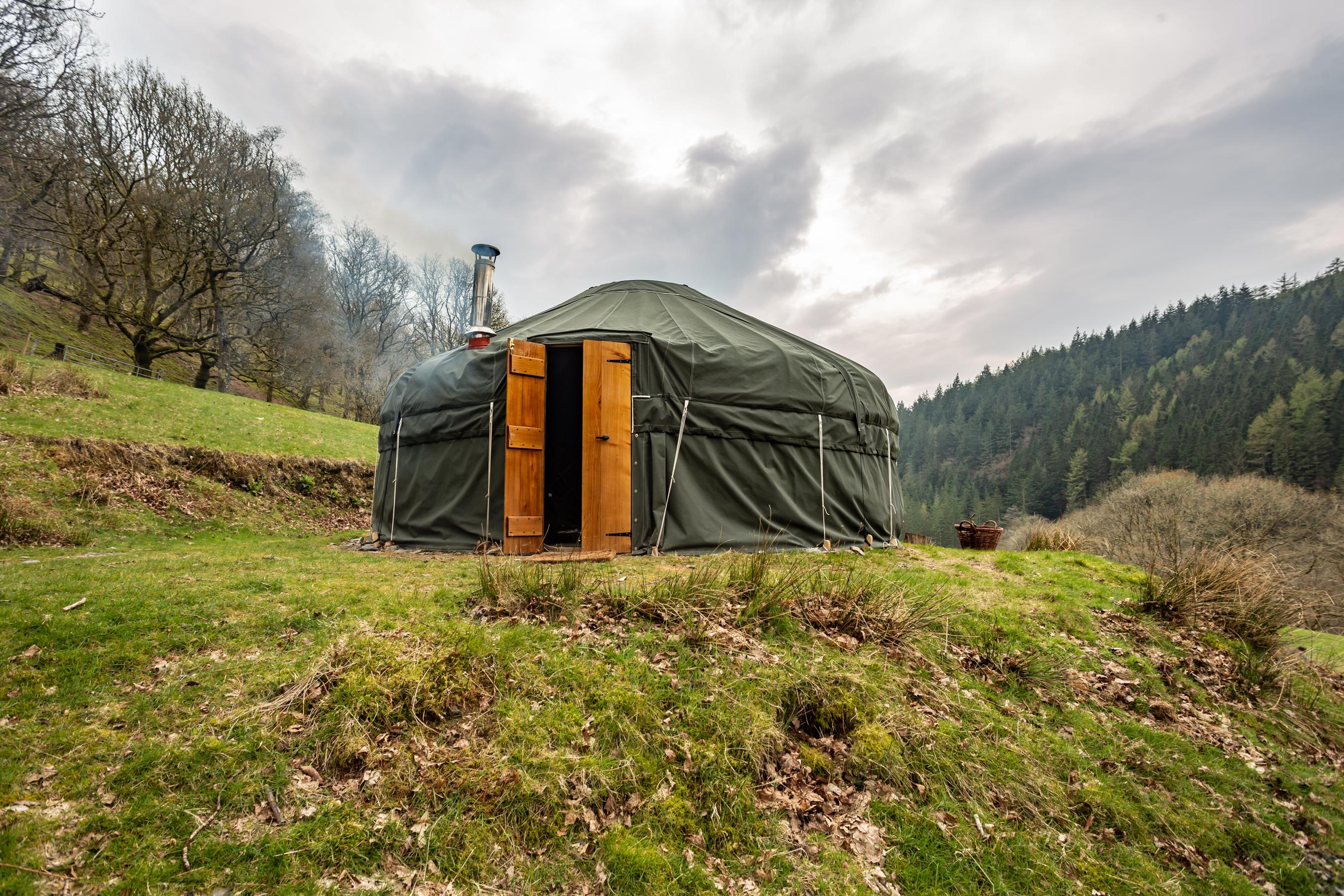 Waterfall-yurt (2)