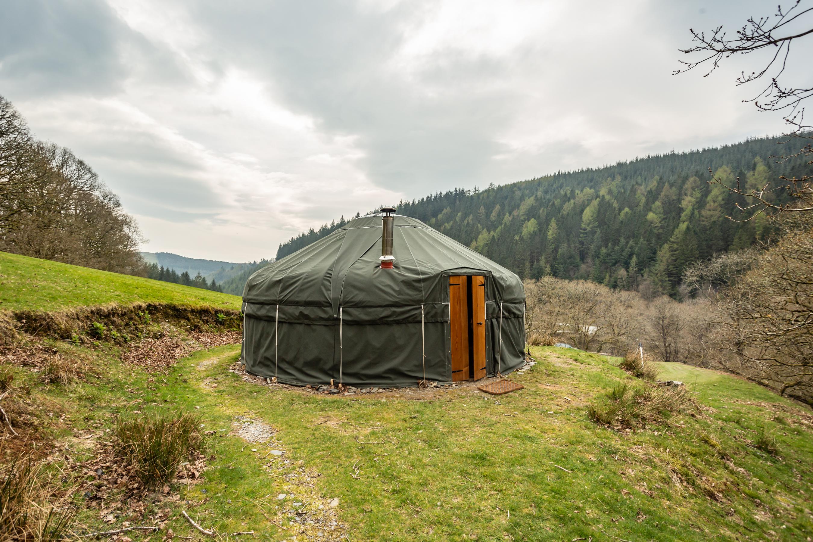 Waterfall-yurt (6)